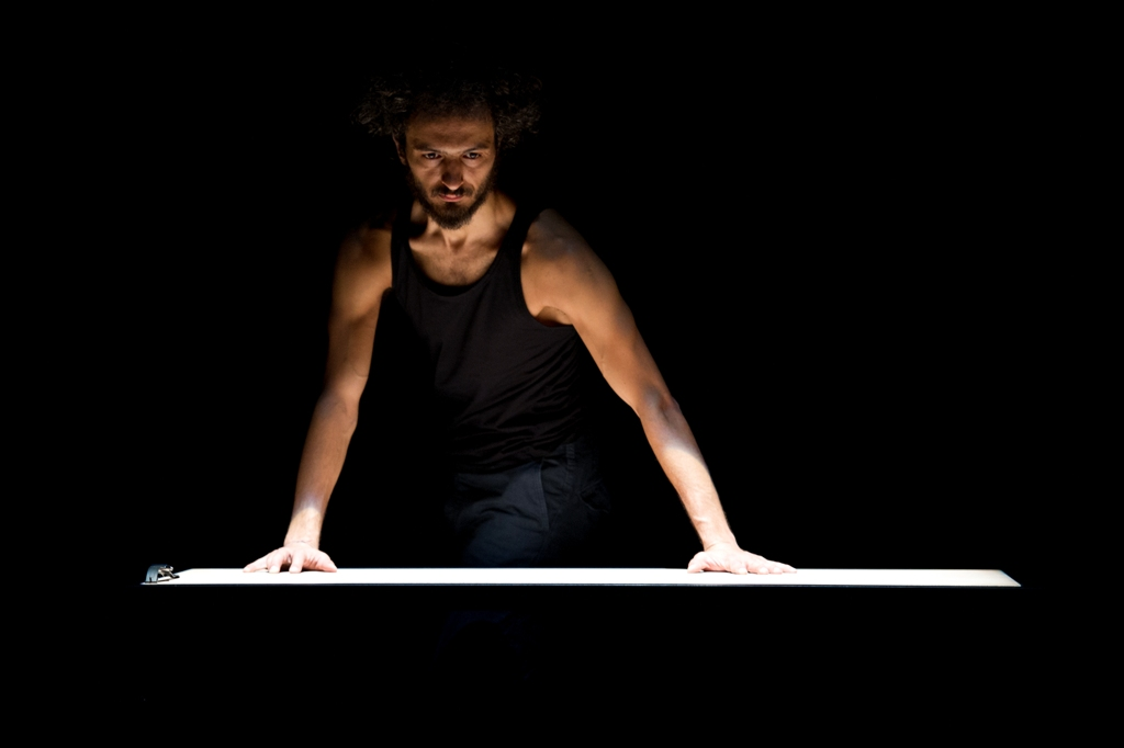 "- Plateforme Danse -  Danse contemporaine  ""SAKINAN GÖZE ҀOP BATAR"" & ""THE PLACE TO BE"""