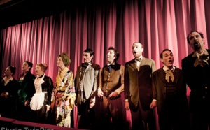 Théâtre / Hommes au bord de la crise de nerf